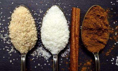 砂糖の固まりを崩してサラサラに戻したい!防ぐための保存方法も!