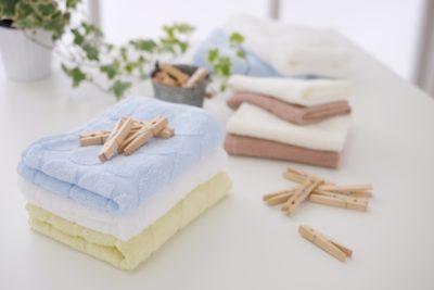 梅雨の洗濯物の部屋干しする場所は浴室がおすすめ?早く乾かすコツやエアコンや扇風機?