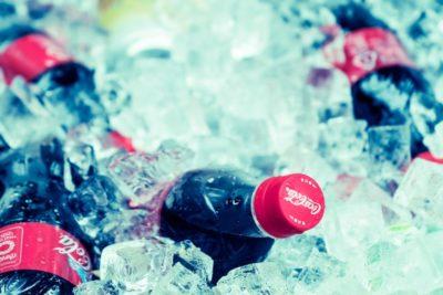 ペットボトルの炭酸が抜けないまま長持ちさせる保存方法や裏技は?